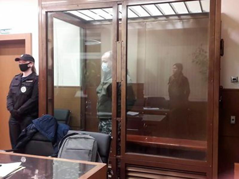 Симоновский суд Москвы приговорил к трем годам лишения свободы условно бывшего полицейского Ивана Князева, который прострелил ногу девочке из травматического пистолета