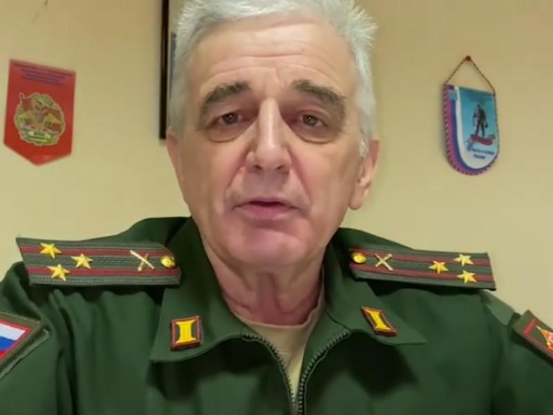Военный комиссариат по Ленинградской области поздравил девушек с 8 марта, предложив им в качестве подарка сдать бывших возлюбленных в армию