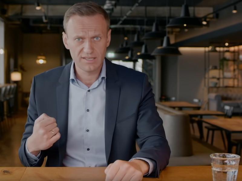 """В экспертном совете кинопремии """"Белый слон"""" заявили о конфликте из-за решения наградить политика Алексея Навального в номинации """"Событие года"""" за серию фильмов-расследований"""