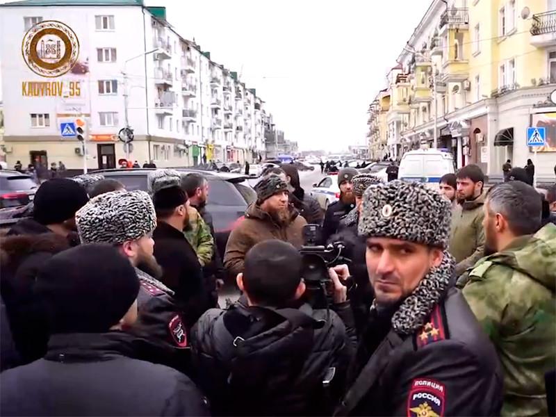 Рамзан Кадыров на месте нападения преступников на сотрудников полиции в Грозном, декабрь 2020 года