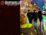 Полицейский пнул Юдину на акции протеста в защиту Алексея Навального 23 января после того, как женщина попыталась выяснить причину задержания молодого человека
