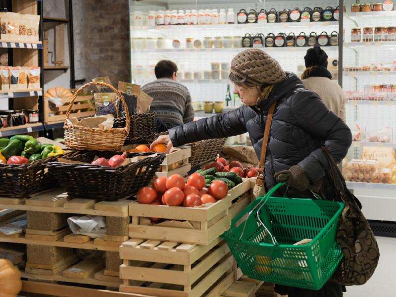 В Госдуме предложили сажать в тюрьму за фейки, вызывающие рост цен на продукты