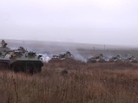 Власти РФ, перебросив войска к границе с Украиной, заявили о риске военных действий