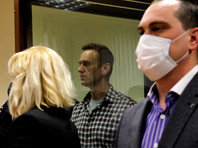 Адвокаты Алексея Навального Ольга Михайлова и Вадим Кобзев
