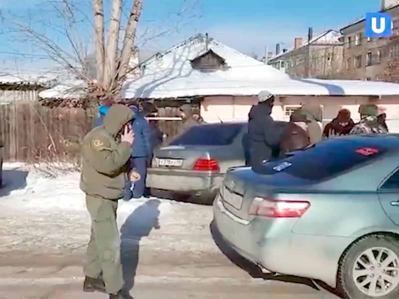 """В Екатеринбурге жители района Уралмаш уже несколько суток спят в палатках, чтобы не допустить установки """"вышки 5G"""""""