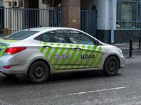 Водителей кремлевских гаражей часто штрафуют городские камеры и инспекторы ЦОДД за неправильную парковку, которую приходится совершать из-за должностных инструкций