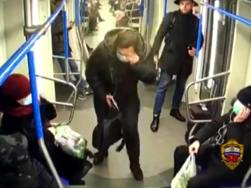 В Москве задержали певца, распылившего перцовый баллончик в лицо пассажиру метро, который сделал ему замечание