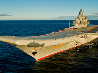 """Крейсер """"Адмирал Кузнецов"""" - единственный авианосец ВМФ России. Входит в состав Северного флота, может нести на полетной палубе и в подпалубном ангаре 26 самолетов и 24 вертолета"""