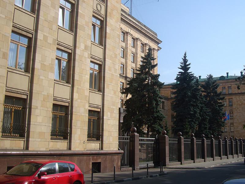 """Россия в ответ на """"русский след"""" во взрывах объявила 20 дипломатов Чехии персонами нон грата, в посольстве остались лишь 5 дипломатов"""