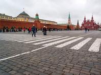 Туристам разрешили проходить на территорию Кремля с рюкзаками, едой и водой