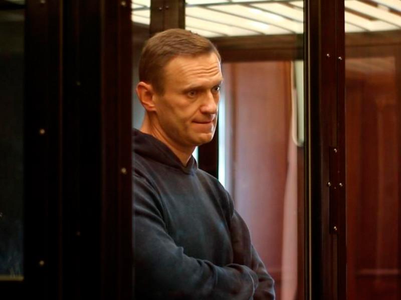 """""""Левада-центр""""*: треть россиян считают несправедливым решение суда отправить Навального в колонию"""