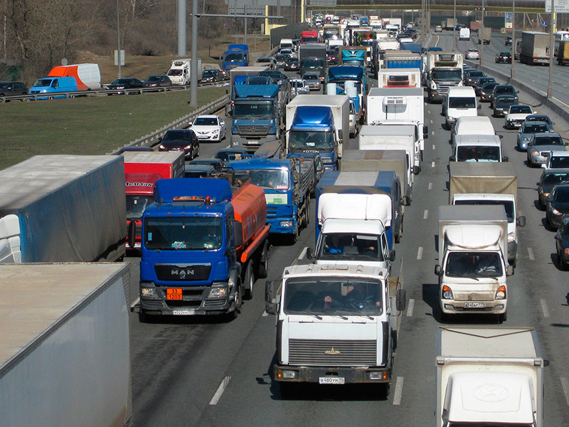 Moscow authorities postponed the introduction of new rules for the movement of trucks on the Moscow Ring Road due to business complaints