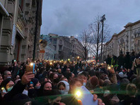 В десятках городов проходят акции в поддержку Навального. Задержано больше 1400 человек
