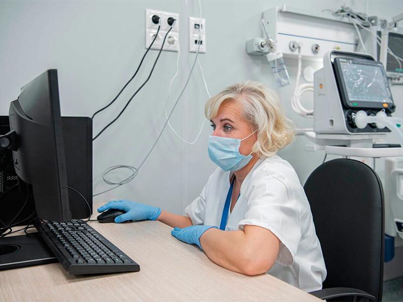 В России за последние сутки выявлено 8709 случаев коронавируса в 85 регионах, 386 человек скончались