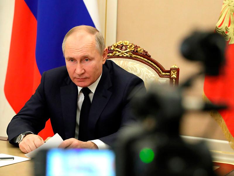 Путин после стрельбы в Казани поручил ужесточить правила оборота огнестрельного оружия