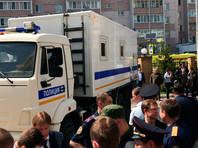 Утром 11 мая 19-летний студент колледжа Ильназ Галявиев устроил стрельбу в казанской гимназии N175.В результате нее погибли 7 учеников восьмого класса: четверо мальчиков и три девочки, а также учительница и еще одна работница школы