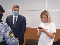 """Следователи спрашивали Соболь о ее винирах на допросе по делу о """"мошенничестве"""" Навального"""