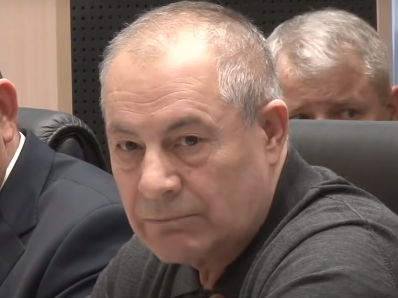 В Городищенском районе Волгоградской области экс-депутат Гасан Набиев, назвавший бедных пенсионеров алкашами и тунеядцами, забрал у пожилых селян стадо коров