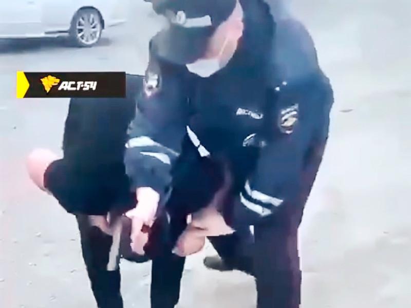 В Новосибирской области в отношении старшего инспектора ДПС возбуждено уголовное дело о превышении должностных полномочий и причинении тяжкого вреда здоровью по неосторожности после того, как он выстрелил в голову молодому человеку