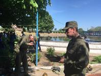 Оперативные службы ищут рабочих, пропавших после отравления в колодце очистных сооружений под Таганрогом