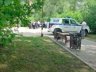 У железнодорожного вокзала Екатеринбурга ранен и задержан мужчина, напавший на прохожих с ножом, сообщает портал E1.Ru со ссылкой на очевидцев