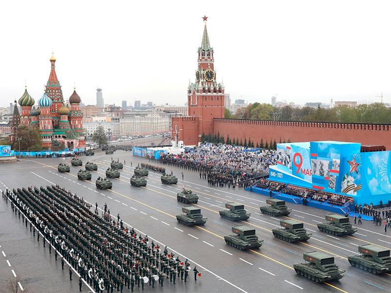 NEWSru.com :: В Москве прошел Парад Победы в честь 9 мая (ВИДЕО)