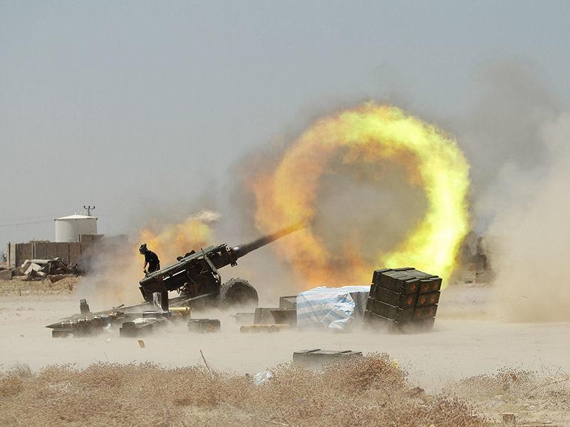 """Вооруженные силы Ирака начали штурм города Эль-Фаллуджа, расположенного в примерно 57 километрах западнее Багдада, передает Reuters. Город находится под контролем запрещенной в России террористической группировки """"Исламское государство"""""""
