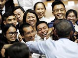 Обама пообщался с вьетнамской молодежью, обсудив рэп и курение марихуаны