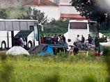 Греческий полицейский спецназ приступил к эвакуации крупного лагеря беженцев на границе с Македонией