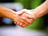 В кантоне Швейцарии власти постановили, что школьники-мусульмане обязаны здороваться за руку с учительницами