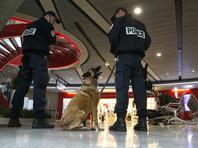 Почти два десятка пассажиров в аэропорту Парижа попали на самолет без досмотра