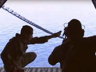 """Сигнал """"черных ящиков"""" позволил сузить зону поиска обломков самолета EgyptAir в Средиземном море - Reuters"""