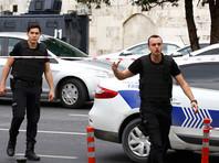 В Турции у полицейского участка взорвался автомобиль