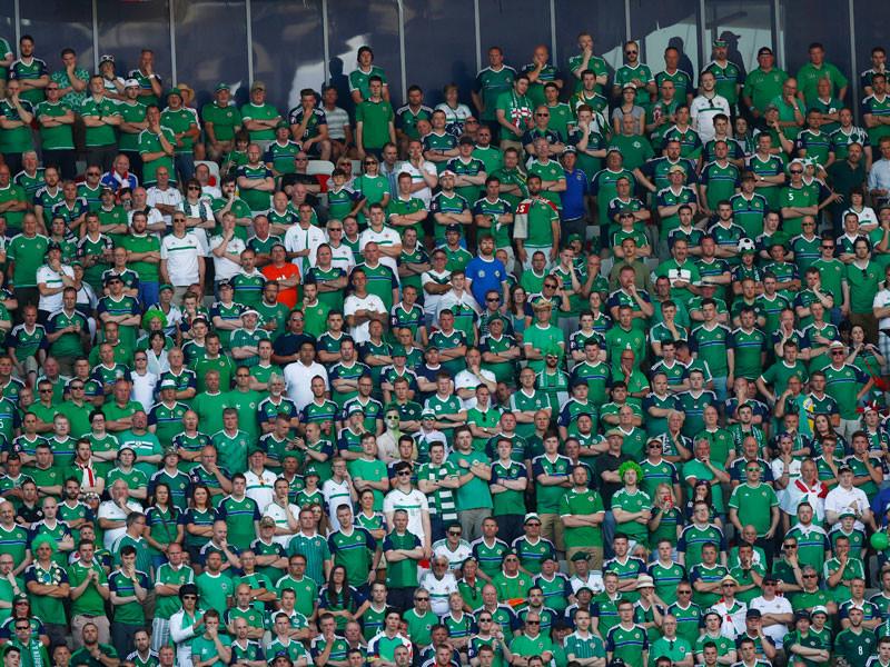 Один из фанатов сборной Северной Ирландии погиб в Ницце, куда прибыл на матч его команды против сборной Польши в рамках чемпионата Европы-2016 по футболу