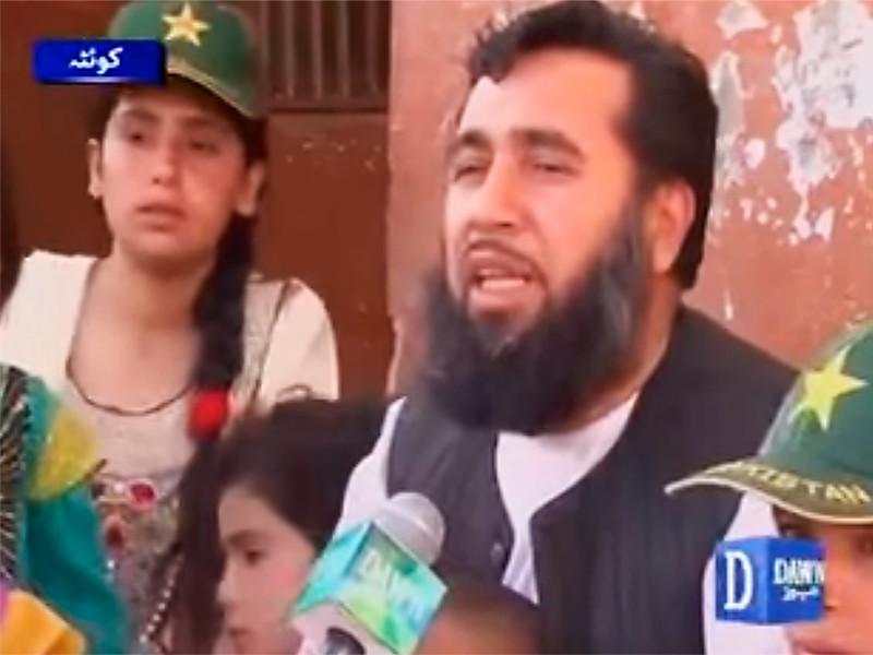 Житель Пакистана ищет четвертую жену, чтобы родить 100 детей