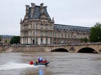 Лувр и музей Орсе вновь открылись после наводнения