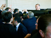 Эрдоган досрочно покинул похороны Мохаммеда Али из-за разногласий с организаторами