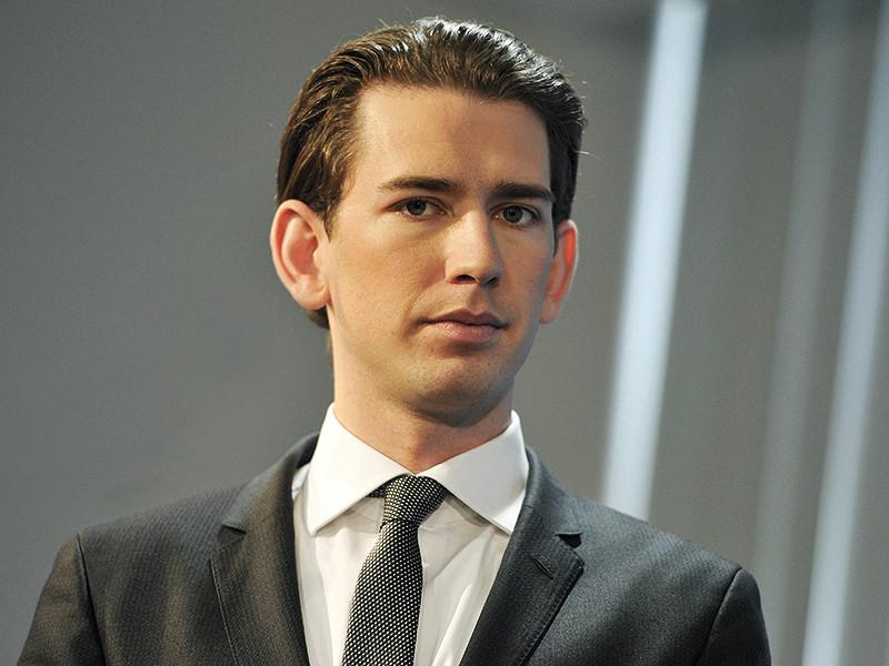 Глава Министерства иностранных дел Австрии Себастьян Курц в воскресенье заявил, что Евросоюз должен начать движение в направлении постепенной отмены антироссийских санкций