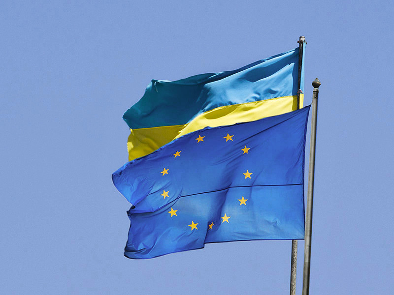 Нидерланды назвали условие ратификации соглашения об ассоциации Украины с Евросоюзом. Гаага не будет подписывать документ без юридических изменений, сообщил голландский премьер-министр Марк Рютте после саммита лидеров ЕС в Брюсселе