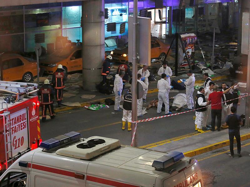 Самолет, на борту которого находился премьер-министр Албании Эди Рама, приземлился в стамбульском аэропорту Ататюрка в тот момент, когда там произошел теракт