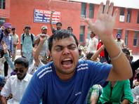 Около 20 человек погибли в Индии при столкновениях полиции и сектантов, изъяты винтовки и мечи