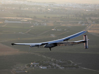 Самолет Solar Impulse 2, летающий на солнечной энергии, пересек Атлантику и приземлился в Испании