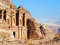 В древнем городе Петра на территории Иордании с помощью спутника обнаружили огромный скрытый монумент