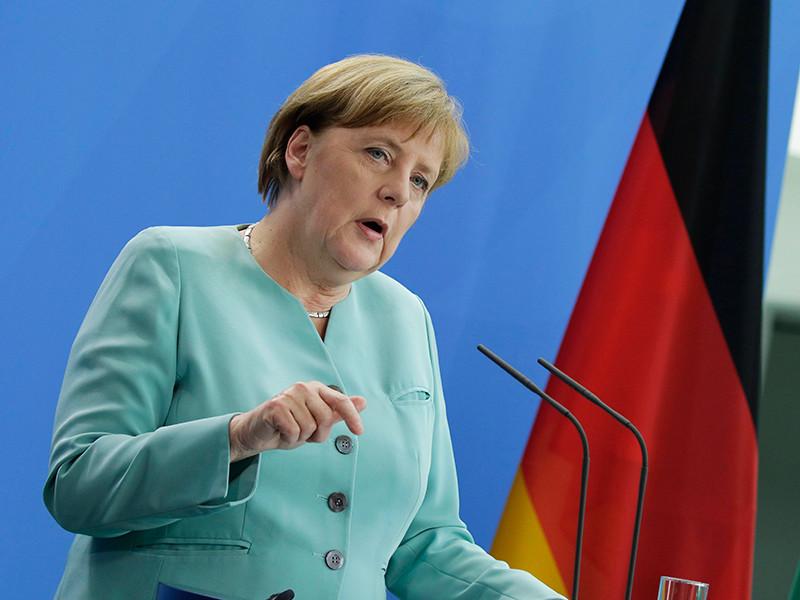 Канцлер ФРГ Ангела Меркель готова уступить требованиям Турции и предоставить гражданам страны возможность безвизового въезда в шенгенскую зону
