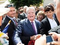 В Германии завели уголовное дело по факту нападения на президента страны нациста с ножом