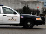 В США неизвестный открыл стрельбу в торговом центре Пенсильвании: два человека ранены