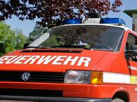 В Австрии пожарные прибыли по срочному вызову к ребенку с унитазным сиденьем на голове