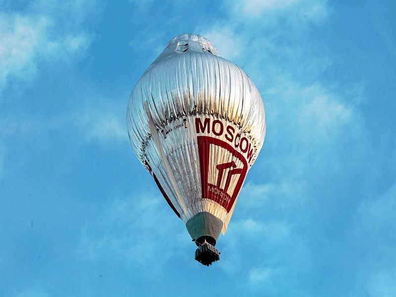 """Российский путешественник Федор Конюхов завершает свою кругосветку на воздушном шаре """"Мортон"""", установив рекорд скорости: его путешествие вокруг Земли заняло 11 дней и 5 часов"""