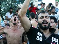 Рвущиеся в Европу мигранты шантажируют пограничников, требуя решать их проблемы