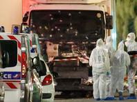 Машина проехала около двух километров, прежде чем водитель грузовика был убит полицейскими